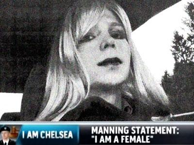 ChelseaManning_tv-400